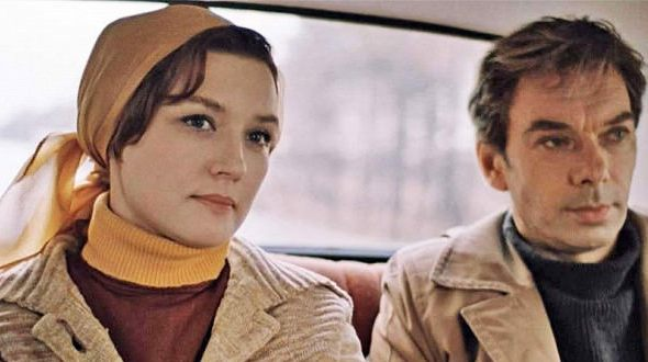 Катя и Гоша в машине Москва слезам не верит